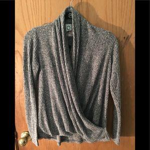 Anthropology Akemi +kin front wrap sweater. Sz XS